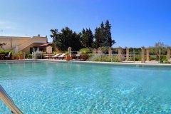 piscina-masseria-luliveto-5